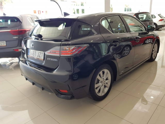 LEXUS CT  200H BUSINESS  for sale in Malaga - Image 4