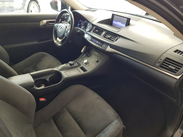LEXUS CT  200H BUSINESS  for sale in Malaga - Image 8