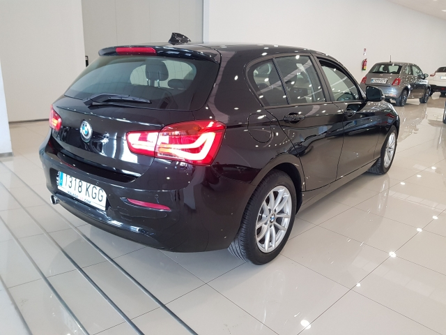BMW SERIE 1  116i 5p. for sale in Malaga - Image 4