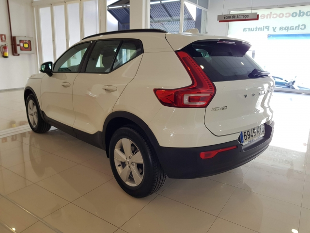 VOLVO XC40  for sale in Malaga - Image 3