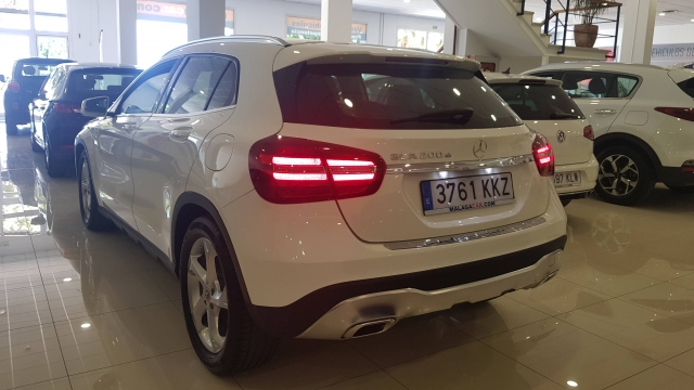 MERCEDES BENZ GLA200D  7G-DCT  for sale in Malaga - Image 3