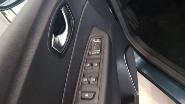 RENAULT CAPTUR Zen TCe  150CV EDC  for sale in Malaga - Image 11
