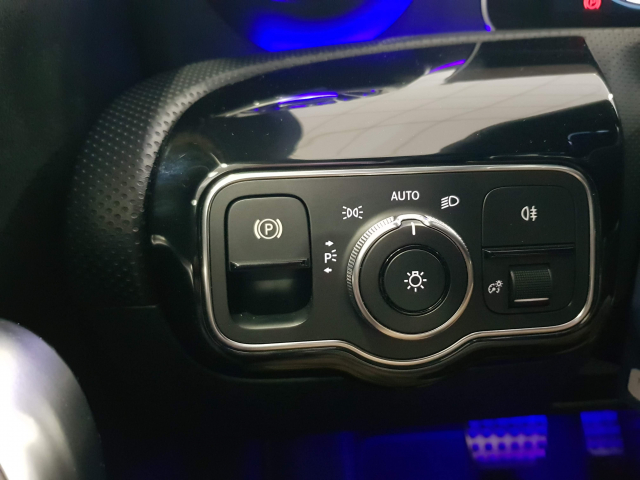 MERCEDES BENZ CLASE A A 180 for sale in Malaga - Image 12