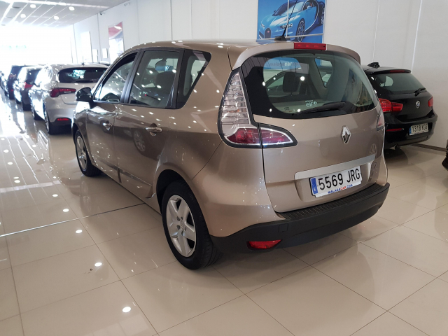 RENAULT SCENIC Scénic SELECTION dCi 95 eco2 Euro 6 5p. for sale in Malaga - Image 3