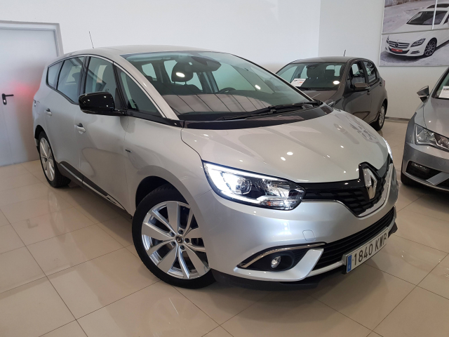RENAULT GRAND SCENIC Limited TCe 103kW 140CV GPF for sale in Malaga - Image 1