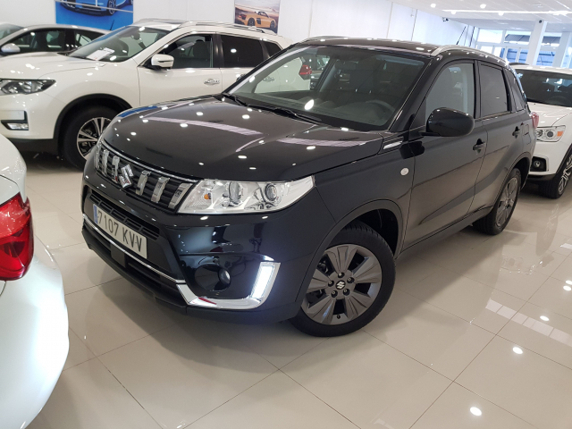 SUZUKI VITARA  GLE 1.0 111CV for sale in Malaga - Image 2