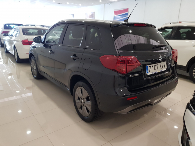 SUZUKI VITARA  GLE 1.0 111CV for sale in Malaga - Image 3