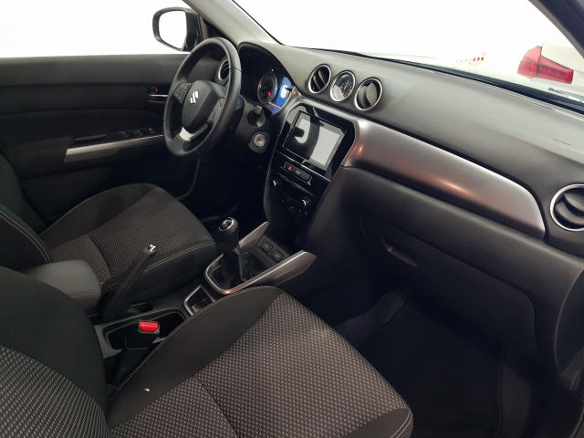 SUZUKI VITARA  GLE 1.0 111CV for sale in Malaga - Image 8