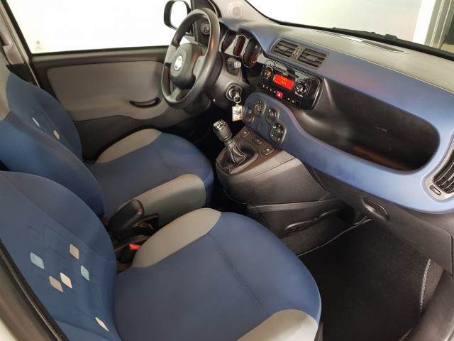 FIAT PANDA  1.2 Lounge 69cv 5p. for sale in Malaga - Image 8