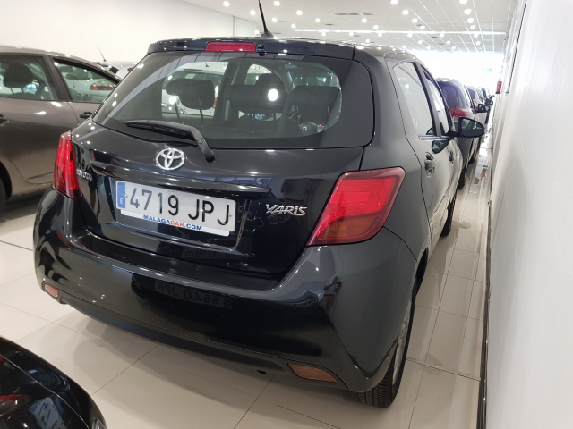 TOYOTA YARIS  1.0 70 City 5p. for sale in Malaga - Image 4