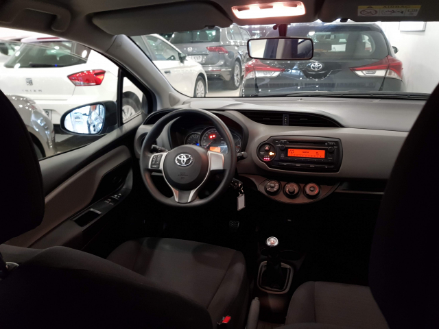 TOYOTA YARIS  1.0 70 City 5p. for sale in Malaga - Image 7