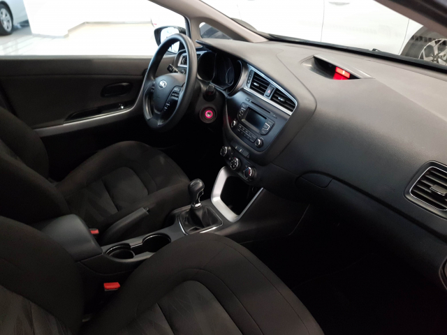 KIA CEED  1.4 CVVT 100cv Concept 5p. for sale in Malaga - Image 8