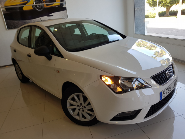 SEAT IBIZA  1.0 75cv Reference Plus 5p. for sale in Malaga - Image 1