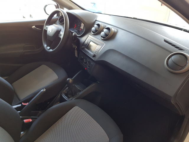 SEAT IBIZA  1.0 75cv Reference Plus 5p. for sale in Malaga - Image 8