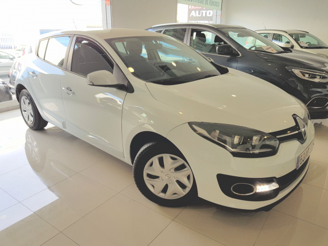 RENAULT MEGANE  Intens Energy TCe 115 SS eco2 5p. for sale in Malaga - Image 1