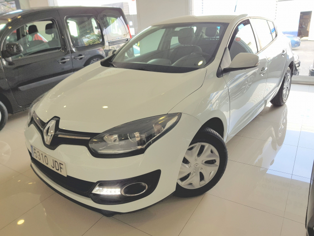 RENAULT MEGANE  Intens Energy TCe 115 SS eco2 5p. for sale in Malaga - Image 2