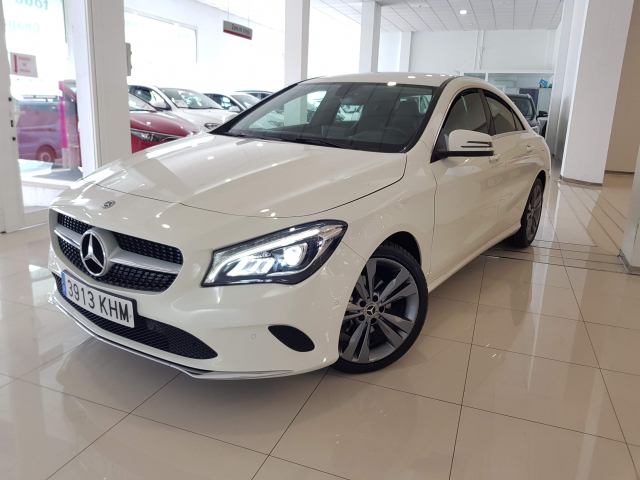 MERCEDES BENZ Clase CLA CLA 200 CDI for sale in Malaga - Image 2