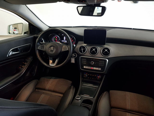 MERCEDES BENZ Clase CLA CLA 200 CDI for sale in Malaga - Image 7