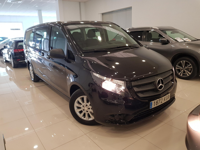 MERCEDES BENZ VITO  114 BT Tourer Select Extralarga 4p. for sale in Malaga - Image 1