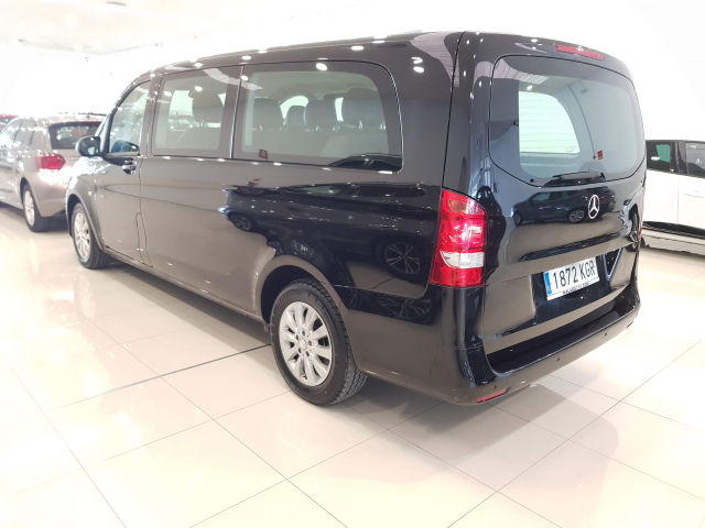 MERCEDES BENZ VITO  114 BT Tourer Select Extralarga 4p. for sale in Malaga - Image 3