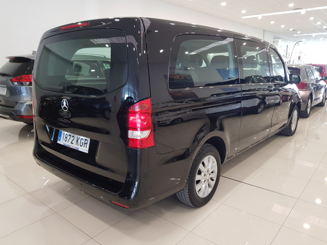 MERCEDES BENZ VITO  114 BT Tourer Select Extralarga 4p. for sale in Malaga - Image 4