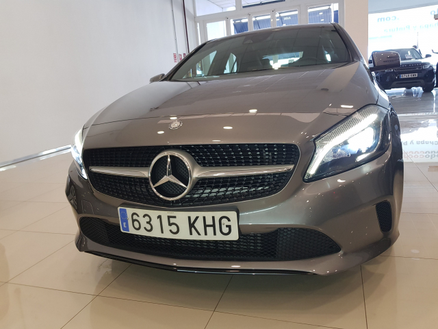 MERCEDES BENZ CLASE A A 200 CDI Urban 5p. for sale in Malaga - Image 3