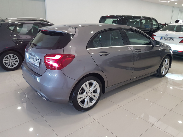 MERCEDES BENZ CLASE A A 200 CDI Urban 5p. for sale in Malaga - Image 5