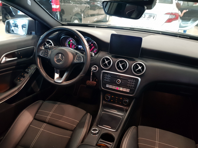 MERCEDES BENZ CLASE A A 200 CDI Urban 5p. for sale in Malaga - Image 8