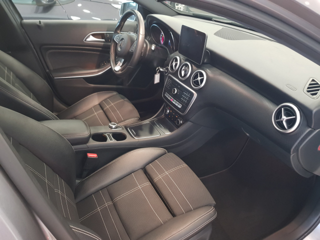 MERCEDES BENZ CLASE A A 200 CDI Urban 5p. for sale in Malaga - Image 9