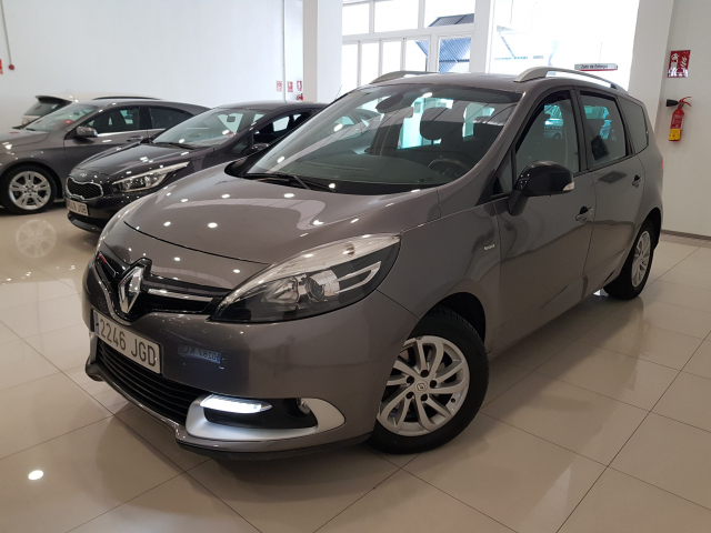 RENAULT GRAND SCENIC Grand Scénic Limited Energy dCi 110 eco2 7p 5p. for sale in Malaga - Image 2