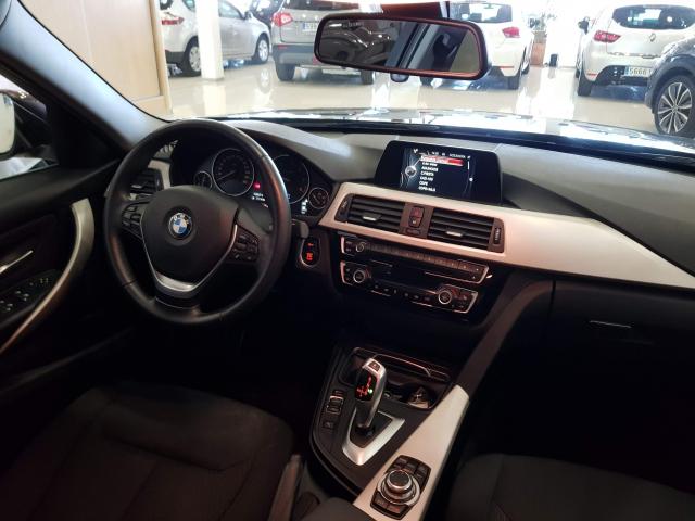 BMW SERIE  3 318d  5p. de ocasión en Málaga - Foto 7