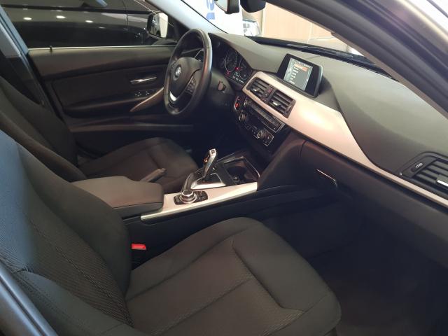 BMW SERIE  3 318d  5p. de ocasión en Málaga - Foto 8