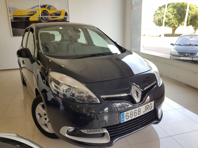 RENAULT SCENIC Scénic Selection dCi 95 eco2 5p. for sale in Malaga - Image 1