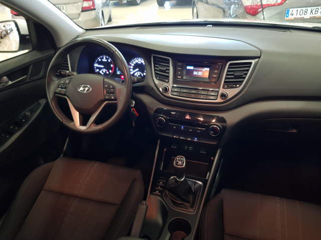 HYUNDAI TUCSON  1.7 CRDi 115cv BlueDrive Klass 4x2 5p. for sale in Malaga - Image 7