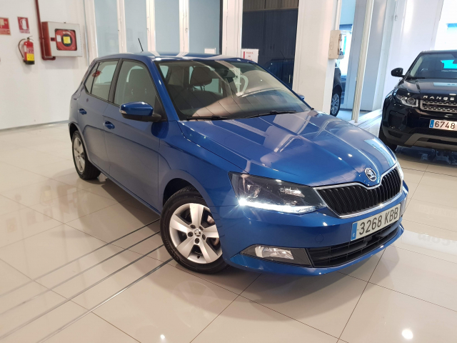 SKODA FABIA  1.2 TSI 90cv Like 5p. for sale in Malaga - Image 1