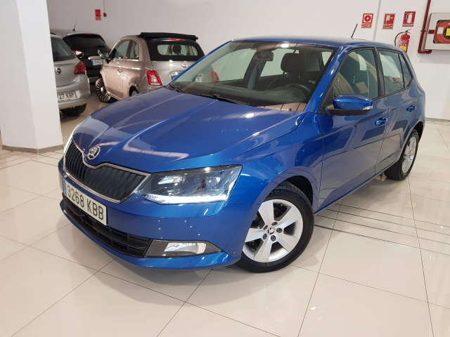 SKODA FABIA  1.2 TSI 90cv Like 5p. for sale in Malaga - Image 2