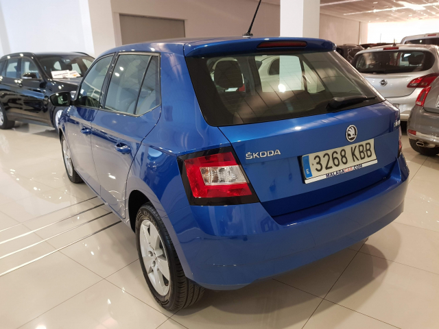 SKODA FABIA  1.2 TSI 90cv Like 5p. for sale in Malaga - Image 3