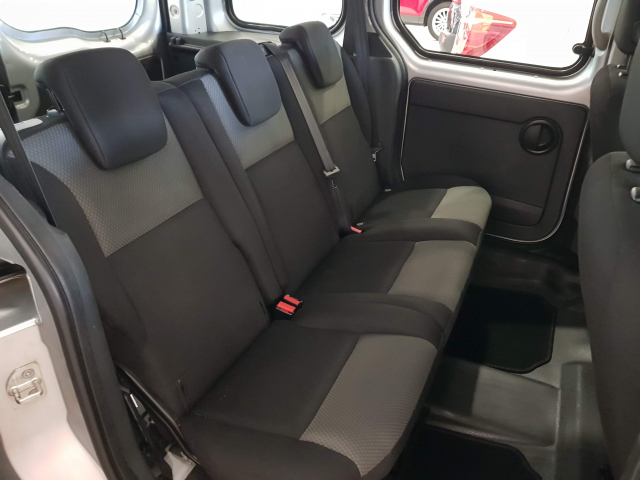 RENAULT KANGOO  Combi Emotion dCi 90 Euro 6 5p. for sale in Malaga - Image 7