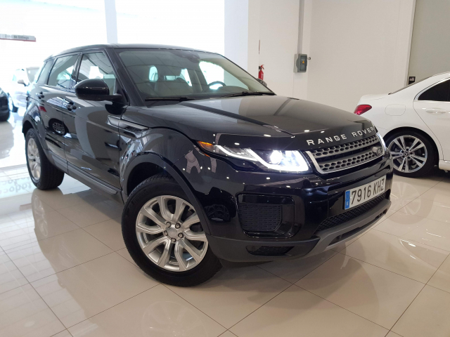 LAND-ROVER RANGE ROVER EVOQUE  2.0L TD4 Diesel 150CV 4x4 SE 5p. for sale in Malaga - Image 1