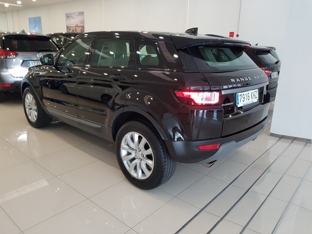 LAND-ROVER RANGE ROVER EVOQUE  2.0L TD4 Diesel 150CV 4x4 SE 5p. for sale in Malaga - Image 4