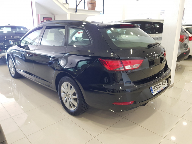 SEAT LEON León ST 1.2 TSI 81kW 110CV StSp Reference plus5p. for sale in Malaga - Image 3