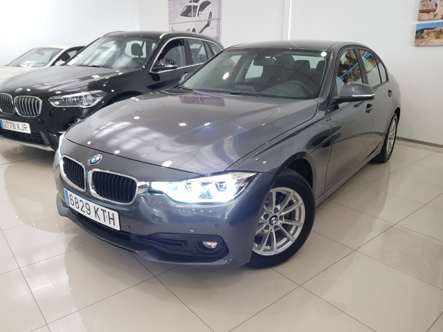 BMW SERIE 3  318d 4p. de ocasión en Málaga - Foto 2