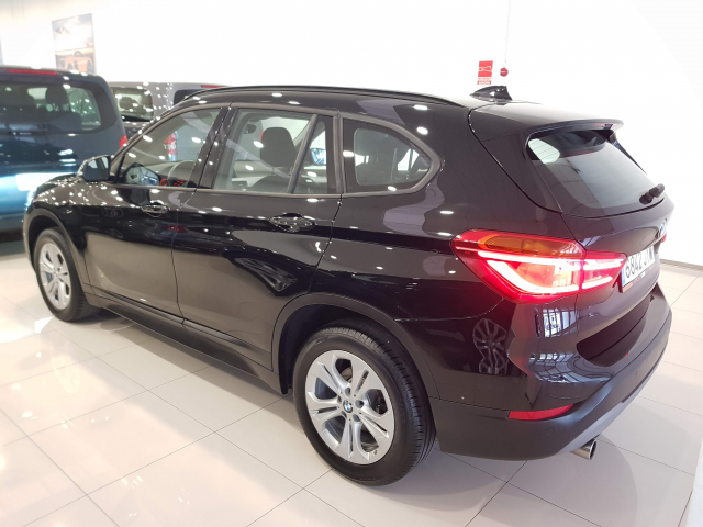 BMW X1  sDrive18d 5p. for sale in Malaga - Image 3