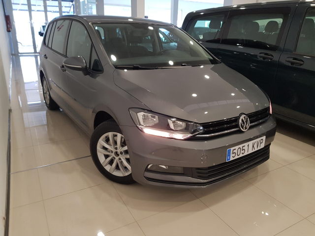 VOLKSWAGEN TOURAN  Edition 1.6 TDI CR 115CV BMT 5p. used car in Malaga