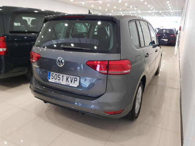 VOLKSWAGEN TOURAN  Edition 1.6 TDI CR 115CV BMT 5p. for sale in Malaga - Image 4