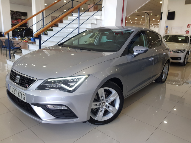 SEAT LEON León 1.5 TSI 110kW 150CV ACT StSp FR 5p. for sale in Malaga - Image 2