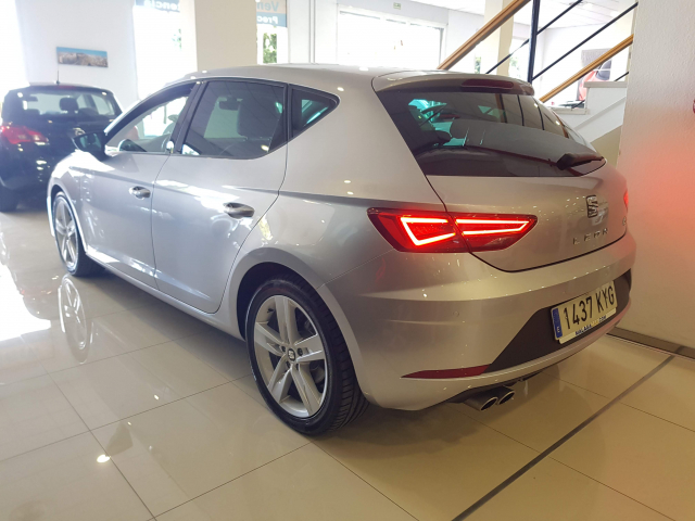 SEAT LEON León 1.5 TSI 110kW 150CV ACT StSp FR 5p. for sale in Malaga - Image 3