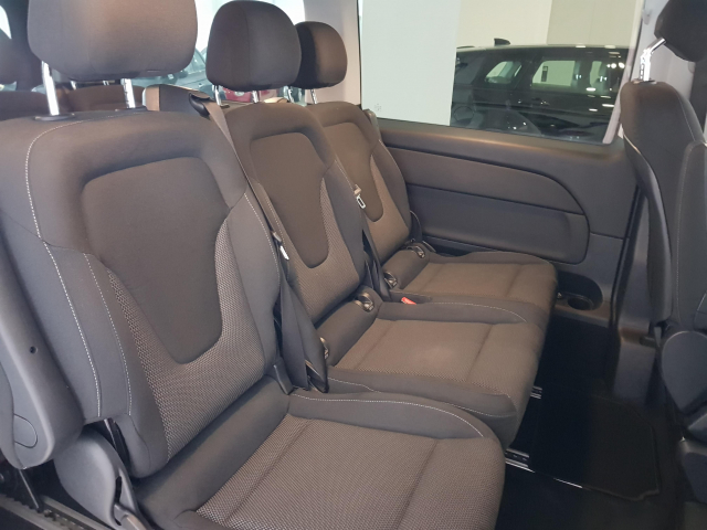 MERCEDES BENZ CLASE  V 200 CDI AUT  for sale in Malaga - Image 7