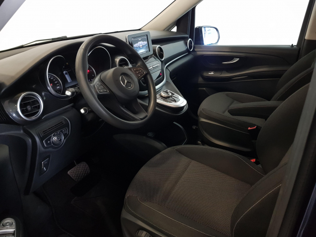 MERCEDES BENZ CLASE  V 200 CDI AUT  for sale in Malaga - Image 10