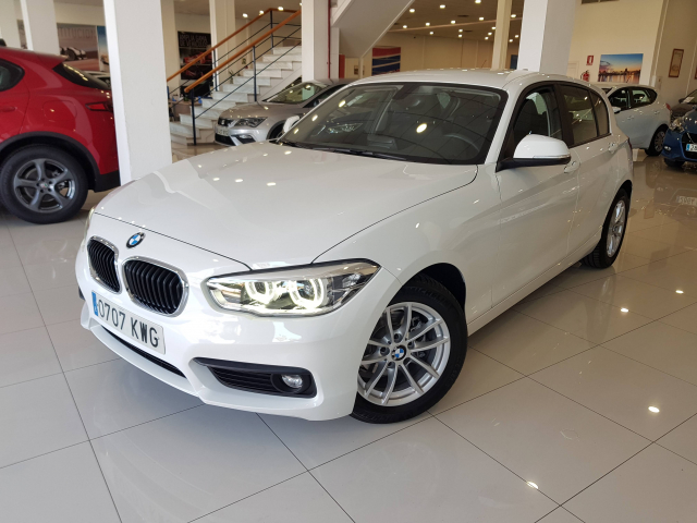 BMW SERIE 1  116i 5p. for sale in Malaga - Image 2
